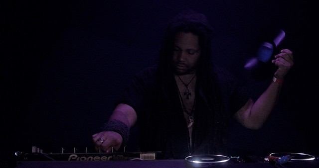 HIEROGLYPHIC BEING – B